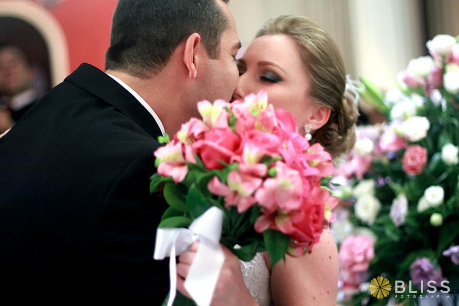 Fotografia de casamento no restaurante Madalosso. Realizado por Bliss Fotografia.