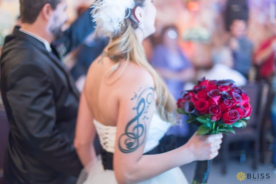 Fotos de casamento no Santuário Nossa Senhora da Salette realizado por Bliss fotografia. Fotos de casamento em curitiba