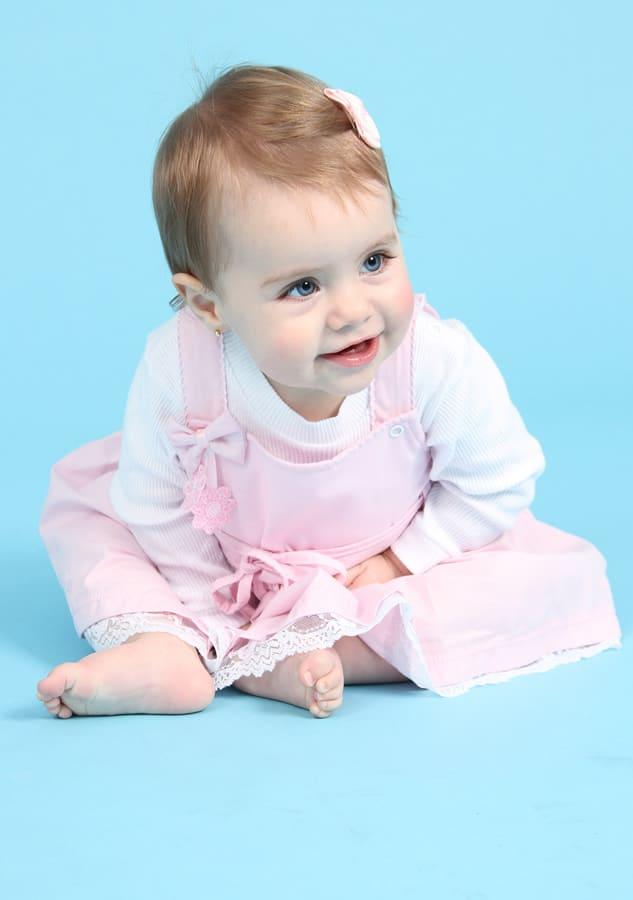 Fotografia de crianças em estúdio fotográfico realizado por Bliss Fotografia. Fotografia infantil.