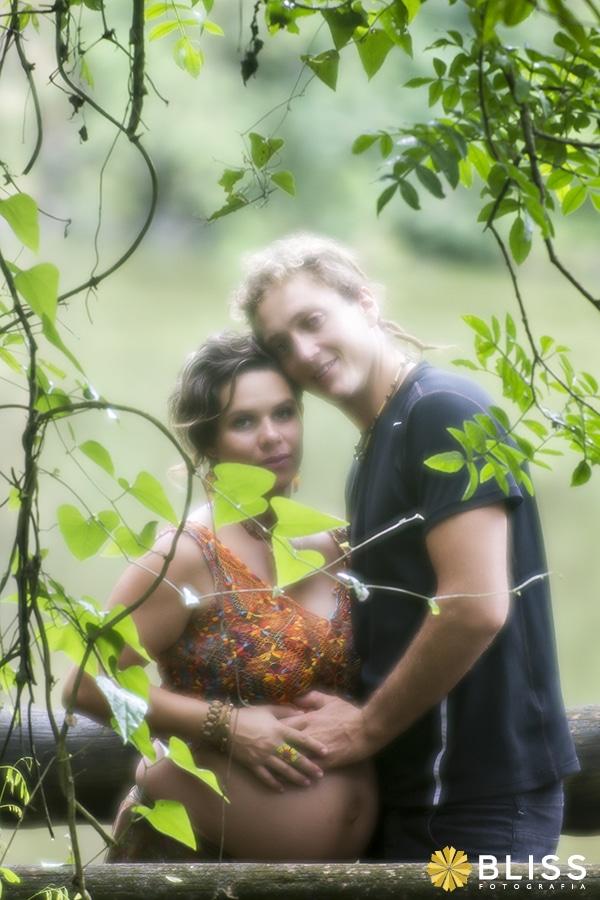 Book Fotográfico de gestante realizado por Bliss Fotografia. Ensaio fotográfico de gestante na Unilivre em Curitiba