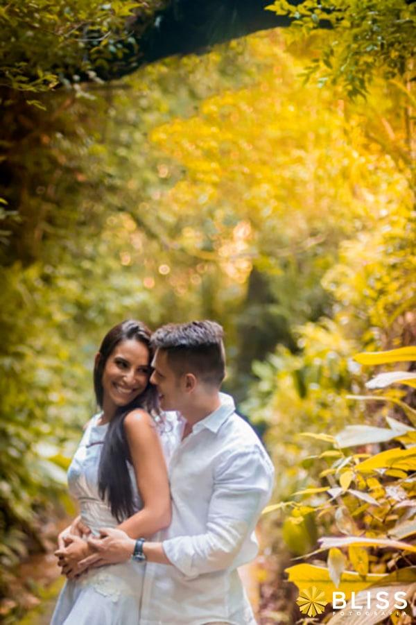 Ensaio fotográfico de noivos na unilivre em Curitiba realizado por Bliss Fotografia