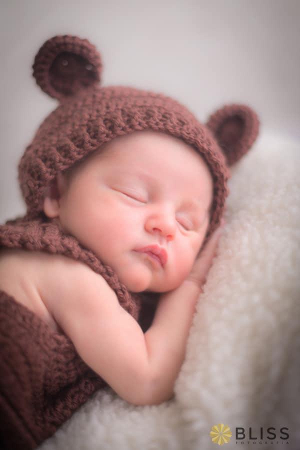 Book fotográfico newborn. Book fotográfico de recém nascido realizado por Bliss Fotografia. newborn curitiba. ensaio newborn
