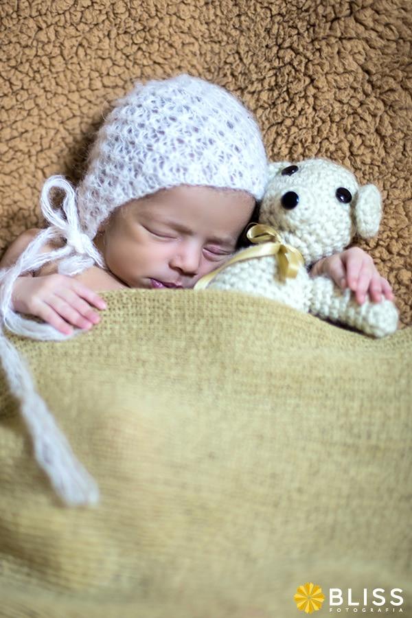 Book fotográfico newborn. Book fotográfico de recém nascido realizado por Bliss Fotografia.